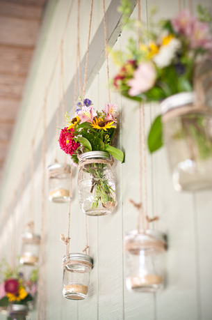 hanging-wall-mason-jars-21